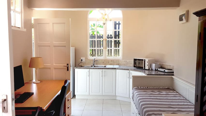 Stylish and Tasteful Compact Appartment - Westville - Apartamento
