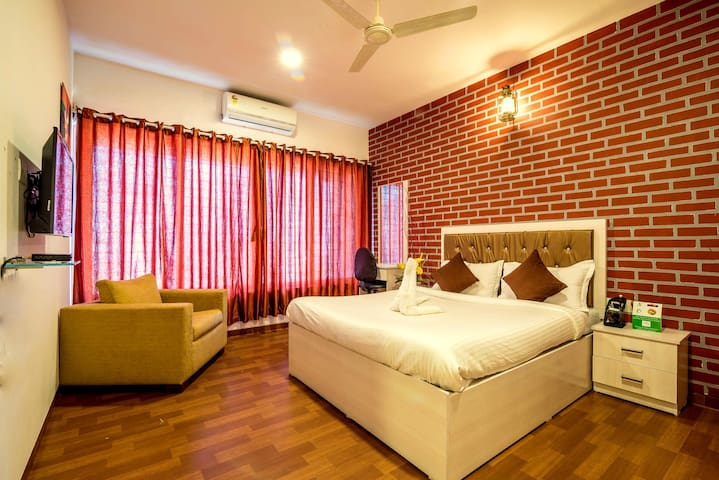Studio near BKC and airport