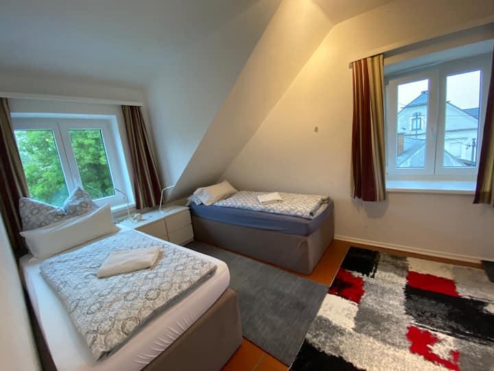 Schönes 3 Betten Appartement mit Wifi,Zentrumsnah