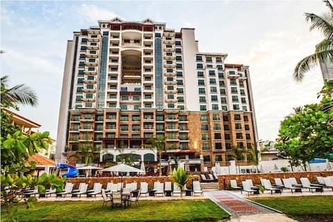Beachfront apartment in 5* hotel!