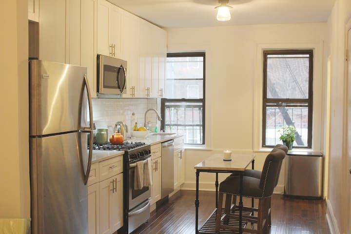 Entire Apartment in Beautiful Brooklyn Brownstone