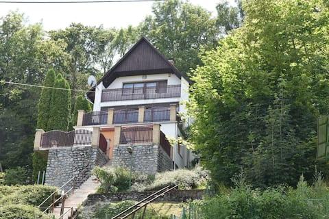 Traumhaftes Ferienhaus im Buchengebirge
