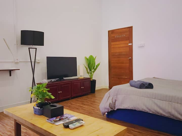 R4 - Flexible $270/month Private Room