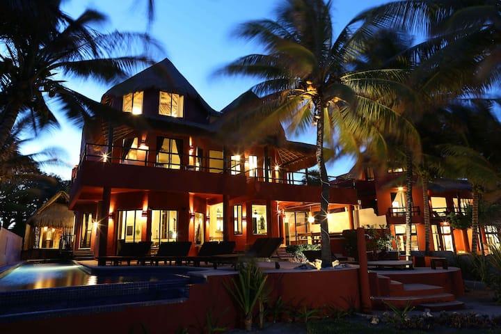 ZenSeaVillas Zen del Mar Beachfront Luxury Villa