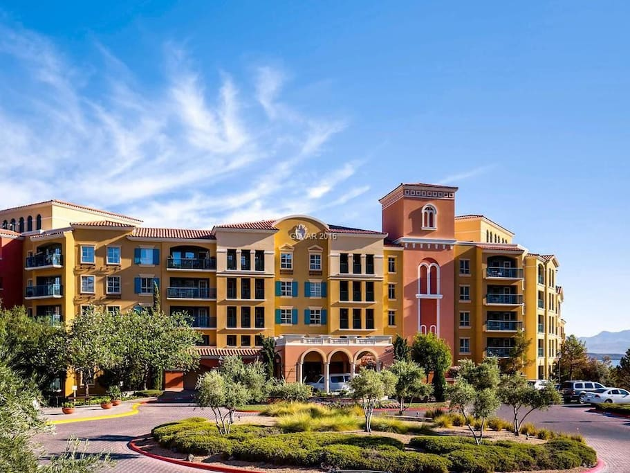 Lake las vegas 1bedroom penthouse suite condominiums for - 4 bedroom houses for rent henderson nv ...