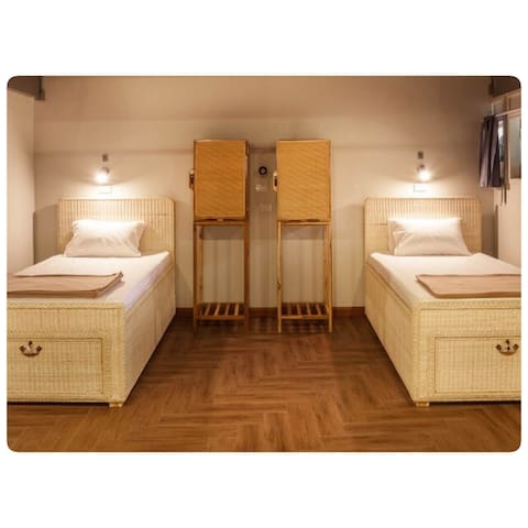 Twin Room with Shared Bathroom No3