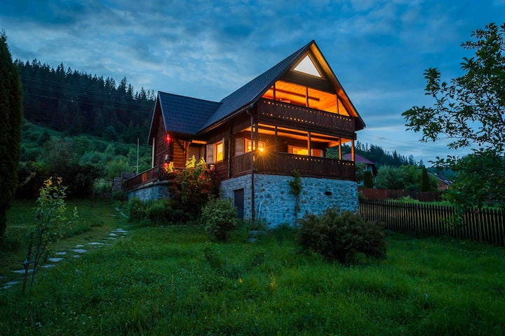 A warm chalet in the heart of Transylvania!