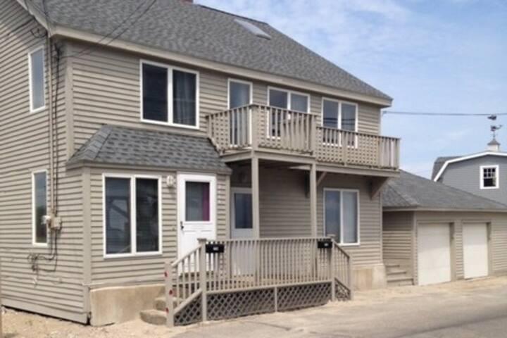 Terrific Waterfront Beach House.