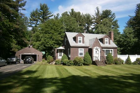 3 Bedroom is Yours for your stay - Windham - Huis
