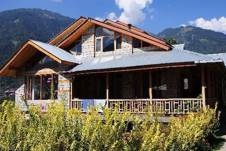 A  Dream Cottage in The Hills -2Bed - Manali