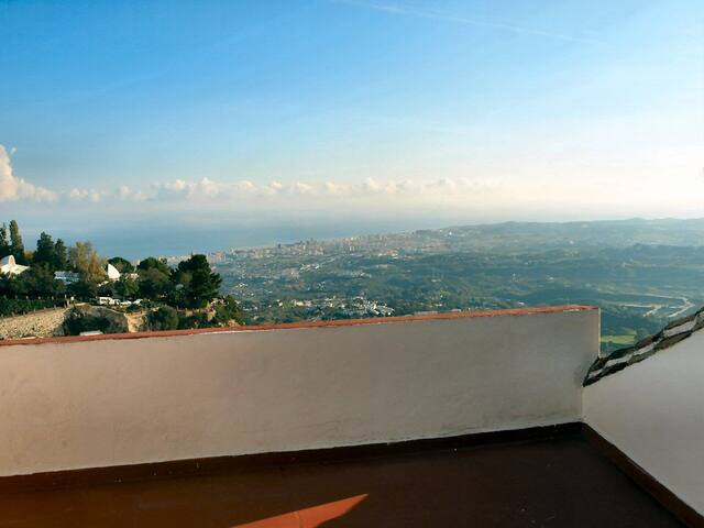 budget accomodation, quiet relaxing hideaway - Mijas