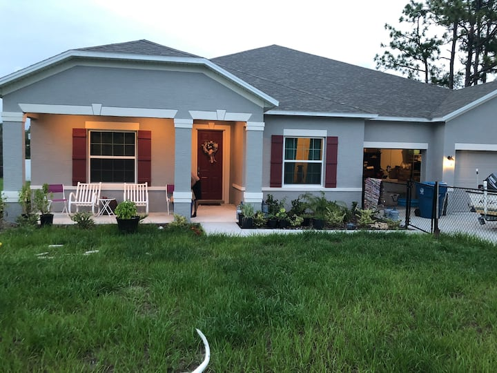 Family Home located 10 minutes from Weeki Wachee