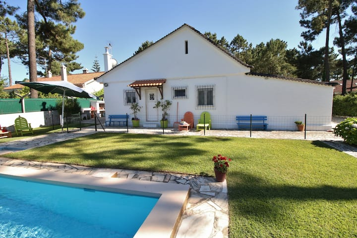 House, pool, beaches, Lisbon 20km