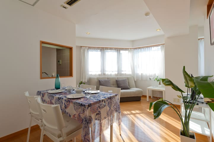 Neat and comfortable small suite near Tokyo Tower