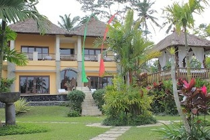 "Villa Aruna a"" Private Villa"" - Tegallalang - Bed & Breakfast"