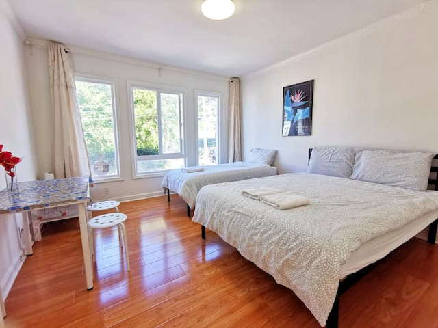 31C- Cozy Room w/ Private Bath near Glen Park BART