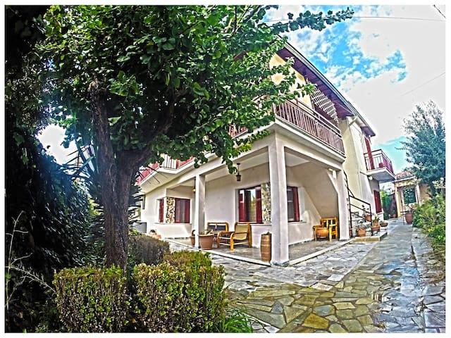 Luna's house - Tríkala - Huis