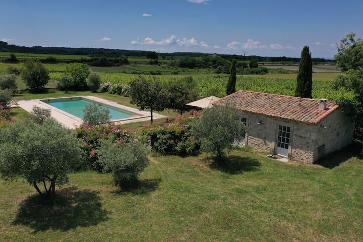 Magnifique gîte avec terrasse et piscine.