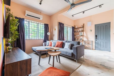 3 Bedrooms Cozy House @ Tanjung Sepat for 8 Pax