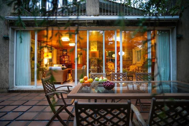 Casa rural en un gran bosque a un paso de Santiago