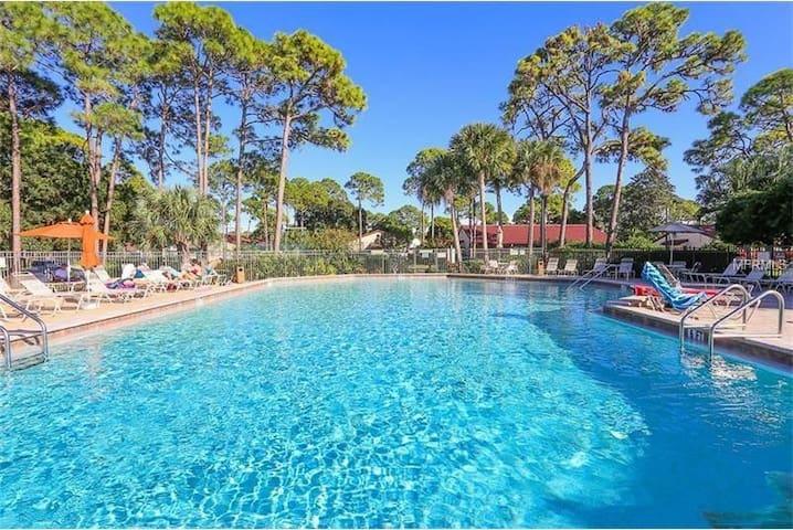 Vacation Villa, heated pool, close to Siesta Key