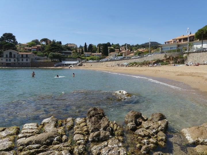 Appartement vue mer Carqueiranne près des plages