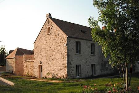 gite de la Forêt à la Ferme de la R - Les Essarts-le-Roi - Rumah