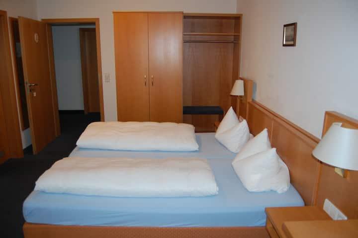 Gasthof Seerose, (Radolfzell am Bodensee), Doppelzimmer, 20qm, max. 2 Personen
