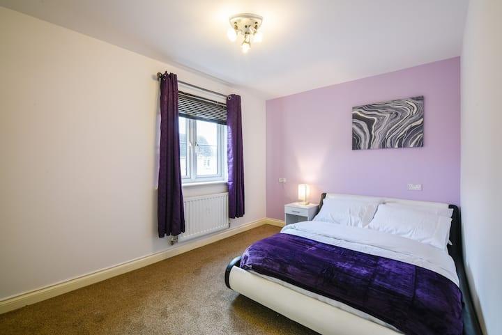 Exquisite Room close to Pride Park and City Centre