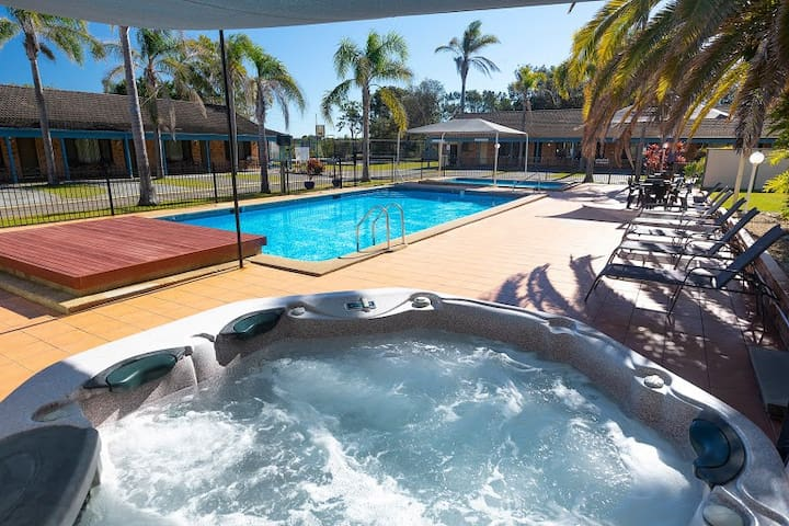 Resort Holiday at Diamond Beach 2430 NSW