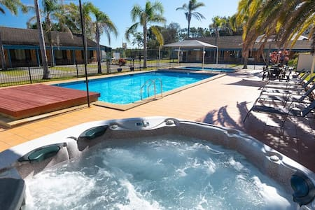 1 Week Resort Holiday Diamond Beach 2430 NSW