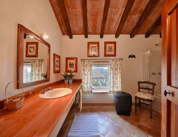 SUITE TORRETTA BATHROOM. 2nd fool. The bathroom is next door, outside the
