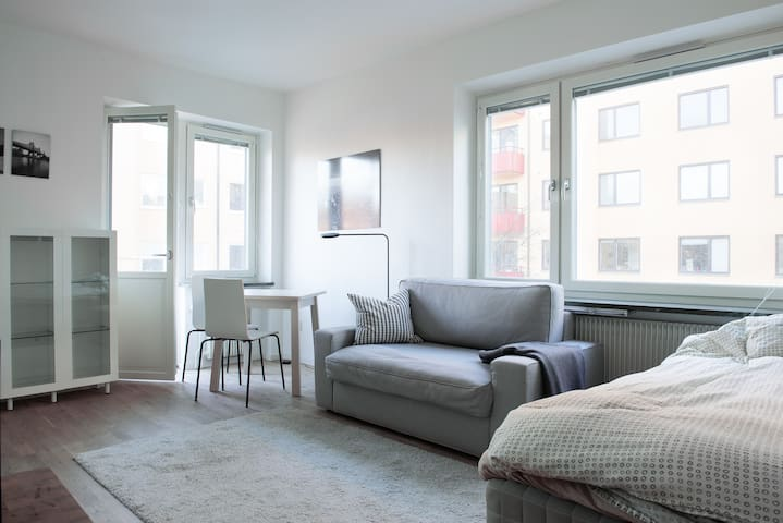 Bright, Modern Apartment by the Water in Södermalm
