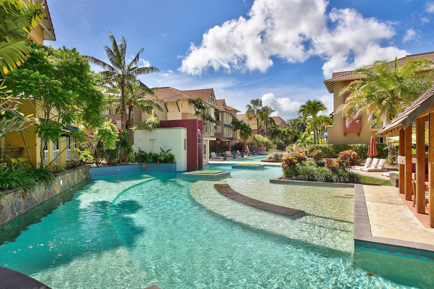 4 Swimming pools and spa to choose from