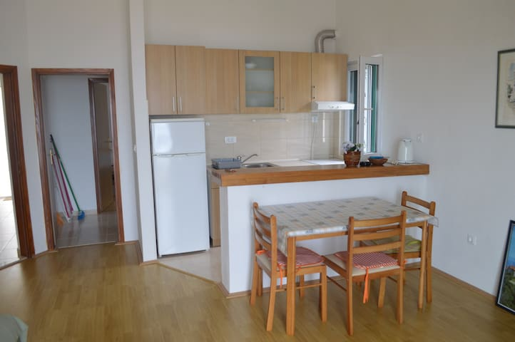 2+2 Apartment w/ sea views ️ - Igrane - Leilighet