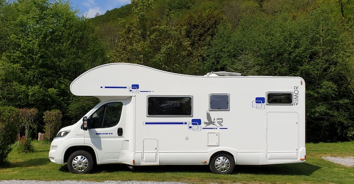 Motorhome Camping-Car Rental (wwwͺlocamperͺbe)