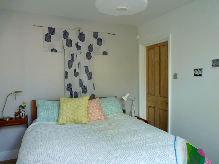 Bedroom with super comfy kingsize bed