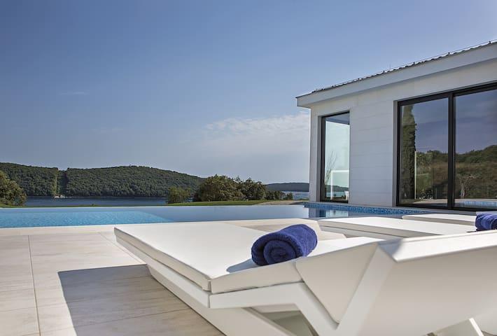 Exclusive Villa with Amazing Views (10+0) - Vrsar - Villa