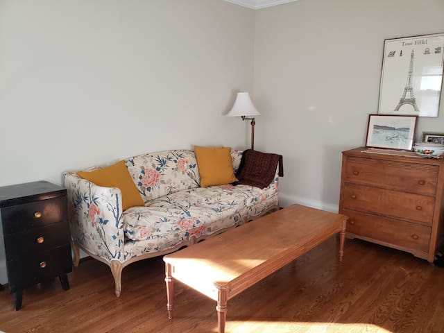2 bedroom in Forest Hill