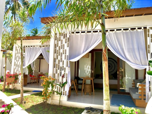 Gorgeous Bungalow-Near the beach-Sunset Point-1