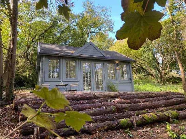 Ruddock - Unique Woodland Cabin Experience