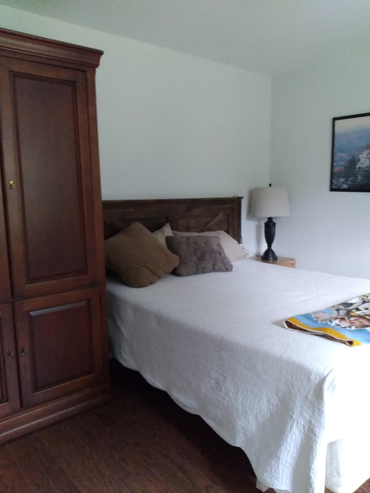 Private 1 Bedroom  In-law Apartment