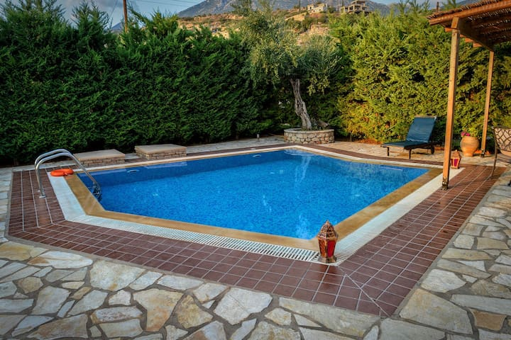 Olympia villas, Villa Manos (private pool)