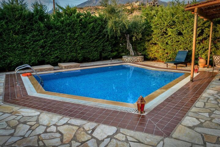 Olympia villas, Villa Manos (private pool)