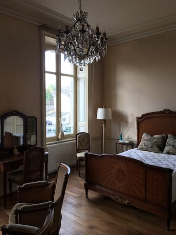 Spacious, Lovely Room in Belle Epoch Mansion