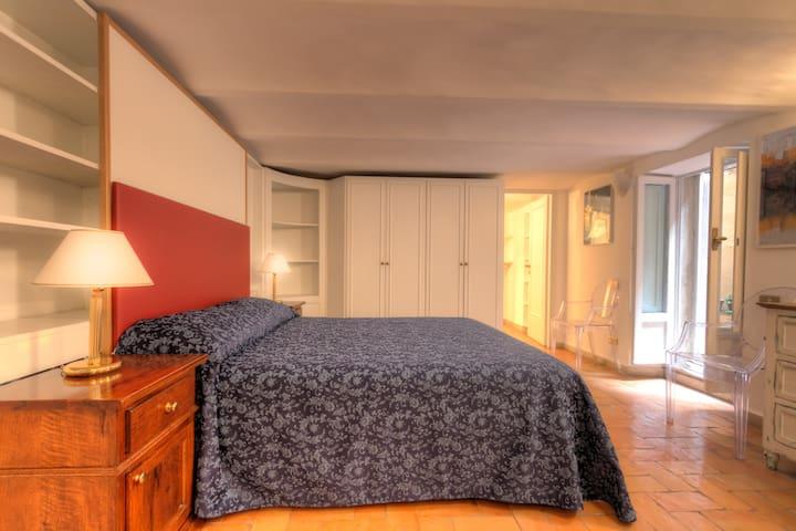 Farnese 2 Junior Suite with Patio S&AR