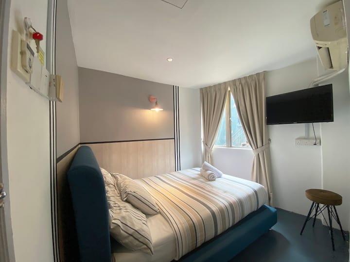 Modern Hotel Room / 2 paxs / Budget / City Centre