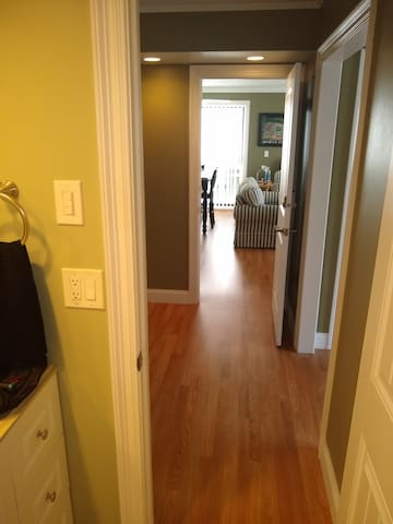 1 Private MBR & Bath, in a 2 BR Condo, near Gulf!