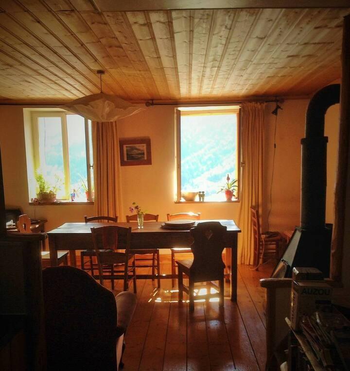 Chambre N°2 dans chalet typique
