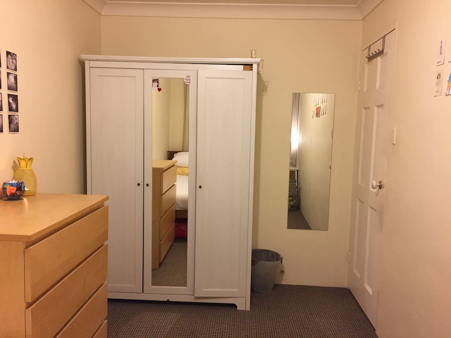 Wardrobe, 2 x mirrors and chest of drawers.